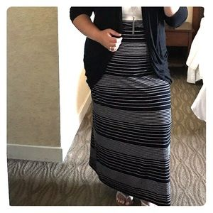 Max Studio Black & White Striped Jersey Maxi Skirt